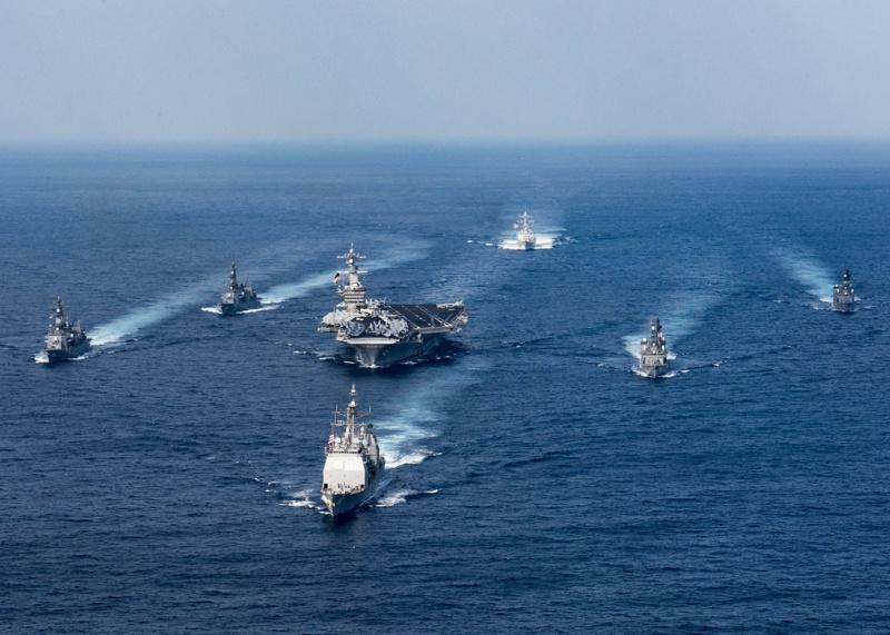 военни кораби