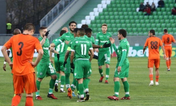 Лудогорец победи с 2:0 литовския Судува в първа среща от плейофите за влизане в групите на Лига Европа. Двубоят бе дебютен за новия треньор на
