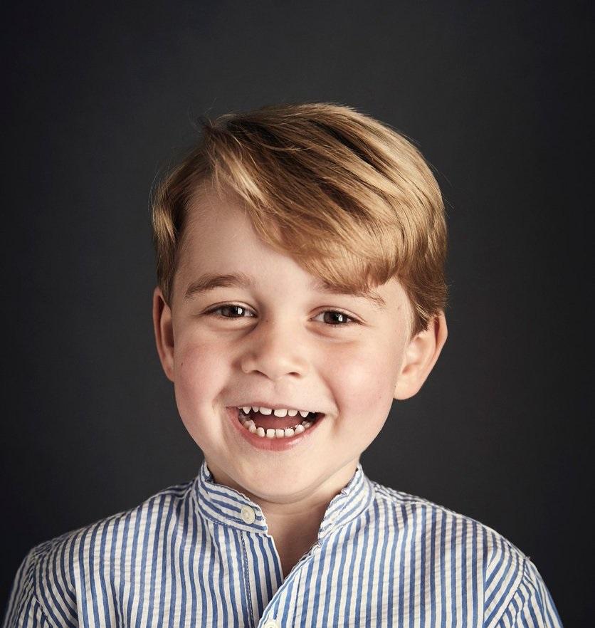 Днес един от най-симпатичните членове на британското кралско семейство - принц Джордж, става на 4 години. Първородният син на херцозите на Кеймбридж Уилям и Катрин е трети