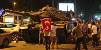 опита за военен преврат в Турция, извънредно положение
