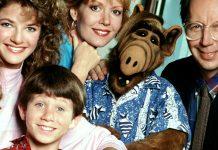 """Един от първите американски сериали, излъчвани по българската телевизия, бе """"Алф"""". Историята за симпатичния космат извънземен и семейство Танер, в чийто гар"""