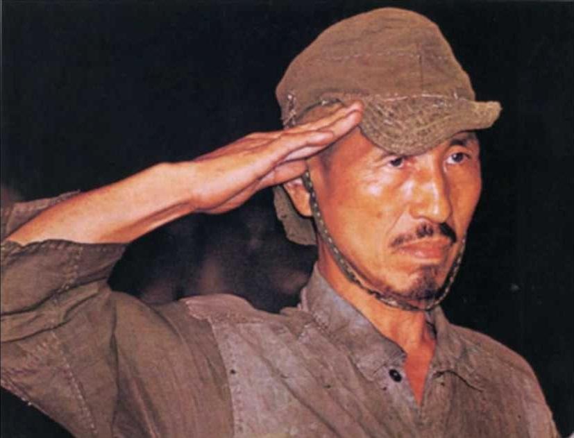 Това е история за един истински войник, който до последно спазва заповедите и по никакъв начин не иска да се поддава на вражески провокации и инсинуации. Ге