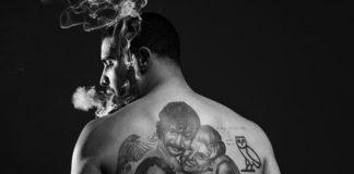 30-годишният рапър Дрейк си татуира поредното лице на знаменитост. Този път това е Дензъл Уошингтън. На тялото му актьорът е изобразен в ролята на тромпетис