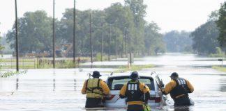 47 са вече жертвите от урагана Харви в Съединените щати. Макар и да отслабна значително, стихията продължава да причинява сериозни наводнения в щатите Хюстъ