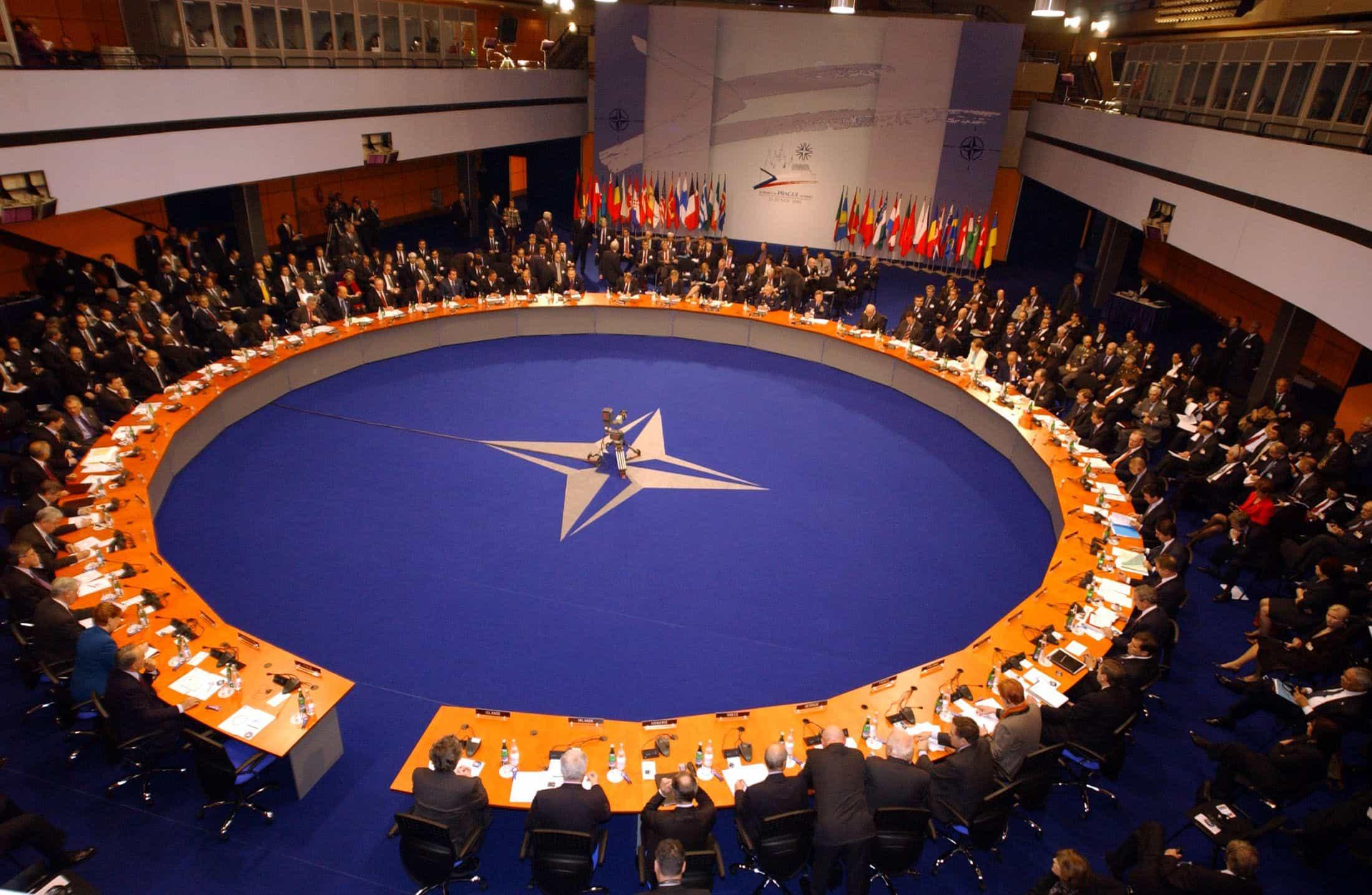 https://debati.bg/wp-content/uploads/2017/09/NATO-2.jpg