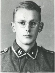 Оскар Грьонинг