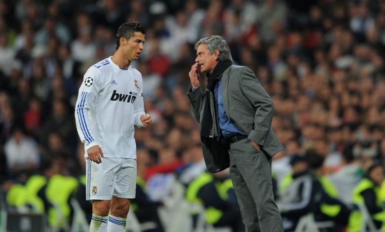 Мениджърът на Манчестър Юнайтед Жозе Моуриньо посочи какво според него е бъдещето на голямата звезда на Реал (Мадрид) Кристиано Роналдо. Португалският специалист е категоричен, че неговият сънародник може да се завърне при