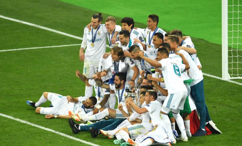 Президентът на Реал (Мадрид) Флорентино Перес е готов с 300 милиона евро за селекция, пишат испанските медии.