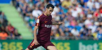 Легендарният халф на Барселона Андрес Иниеста посъветва клуба да направи всичко възможно, за да задържи полузащитника Серхио Бускетс в състава си.