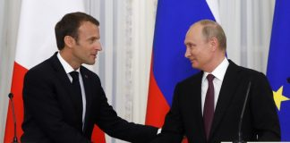 Владимир Путин и Еманюел Макрон