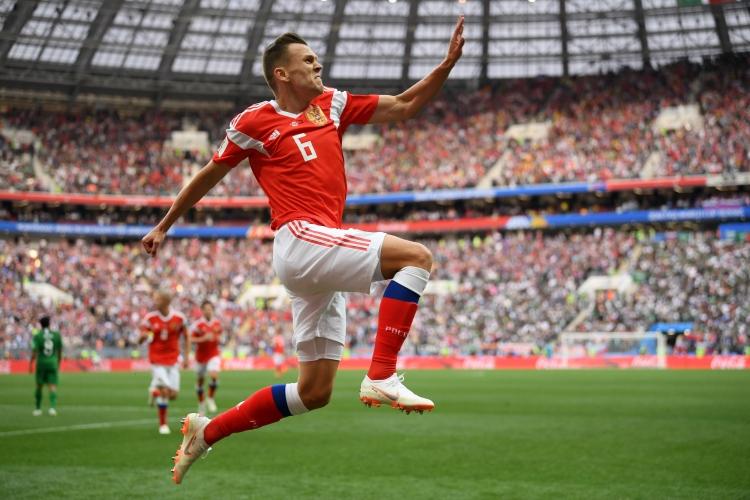 С мечтан старт започна световното първенство за домакина Русия. Възпитаниците на Станислав Черчесов разгромиха Саудитска Арабия с 5:0 в първи