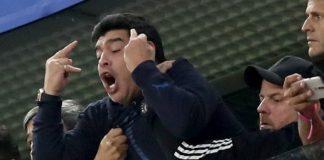 Диего Марадона отново е посегнал към наркотиците и снощи е бил надрусан на мача с Нигерия в Санкт Петербург. Както е известно, Аржентина п