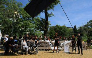 палатков лагер, деца с уреждания, системата ни убива