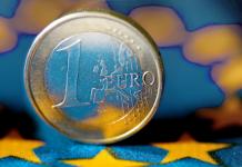 Излизането от еврозоната не влиза в програмата на италианското правителство, заяви италианският вицепремиер и вътрешен министър Матео Салвини
