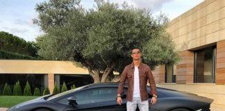 Бившата звезда на Реал (Мадрид) Кристиано Роналдо се разбра с испанските данъчни власти и отърва затвор за неплатени данъци. Португалецът се