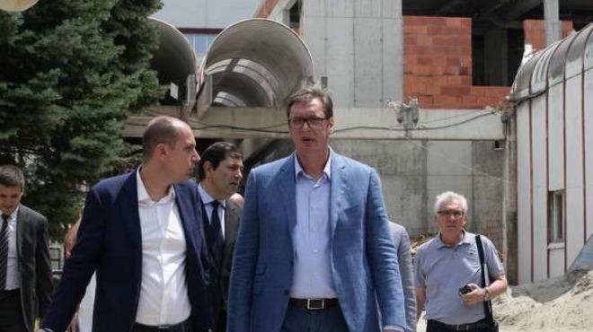 Изпреварихме България, средната заплата в Сърбия вече е 424 евро. С това се похвали сръбският президент Александър Вучич.