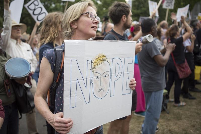 протестират