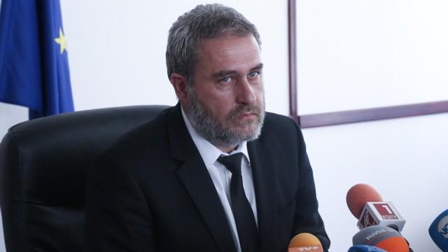 """""""След 15 август ще бъде решено какъв е статутът на """"Царските конюшни"""", каза пред журналисти министърът на културата Боил Банов, след"""