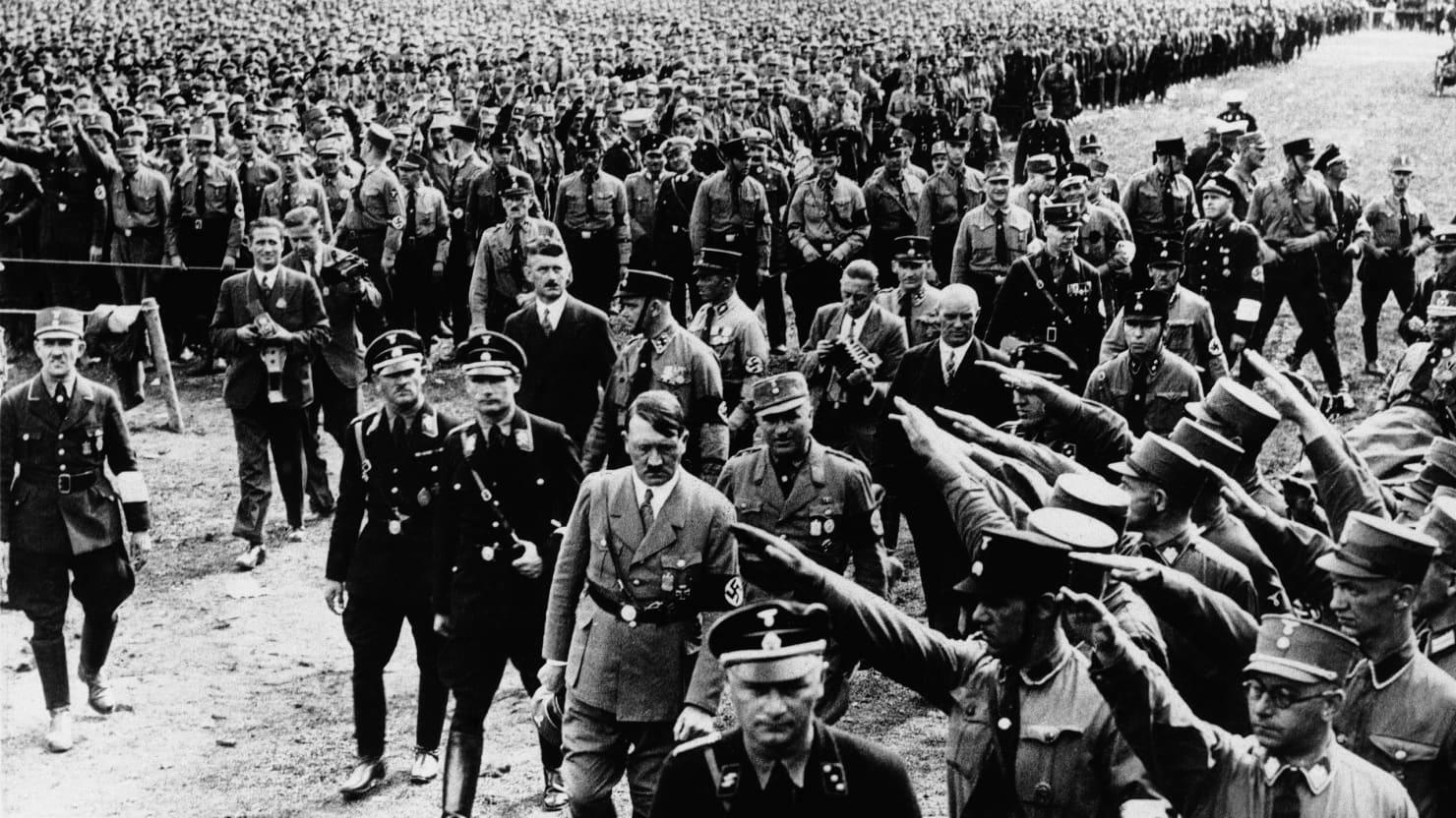 https://debati.bg/wp-content/uploads/2018/08/130508-Schillinger-Nazis-tease_qa3epn.jpg