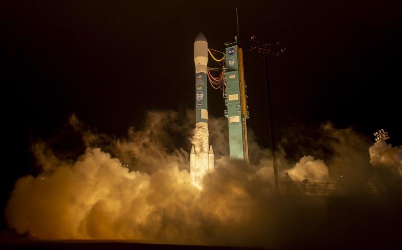 НАСА, лазерен сателит