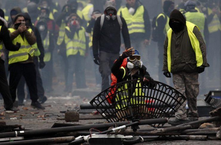 Париж, безредици, протести, жълти жилетки