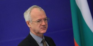 Васил Велев, работодателите