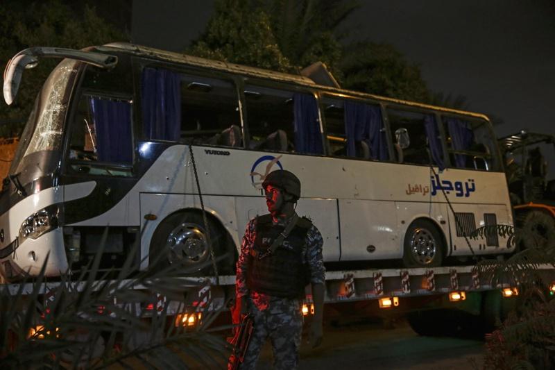 Египетската полиция, джихадисти, автобус