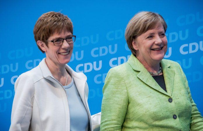 Ангела Меркел и Анегрет Крамп-Каренбауер