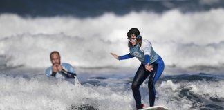 Сляпа сърфистка