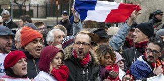 """Франция, """"червените шалчета"""""""