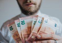 Германия, пари, заплати