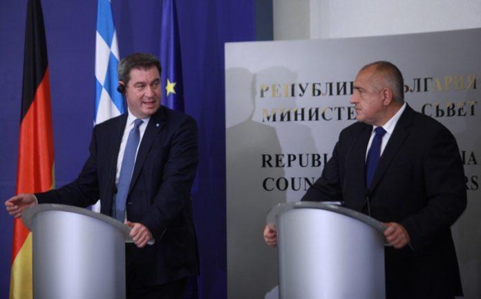 на снимката: Премиерът на Бавария Маркус Зьодер и министър-председателят на България Бойко Борисов