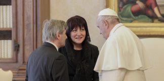 папа Франциск, Цвета Караянчева
