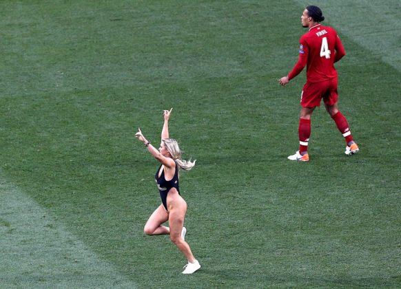 Шампионска лига, гола фенка, модел