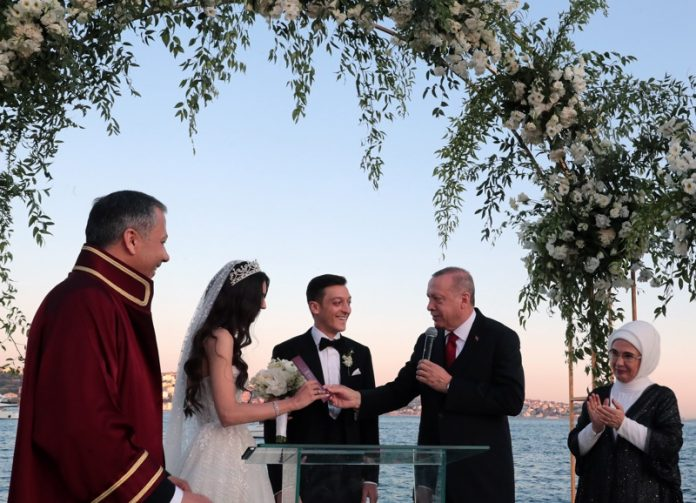 Месут Йозил и Реджеб Ердоган
