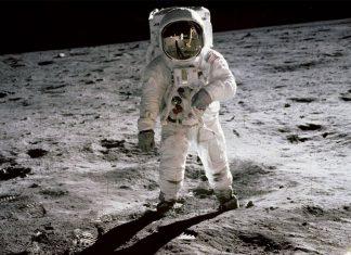 Луна, космонавти, астронавти