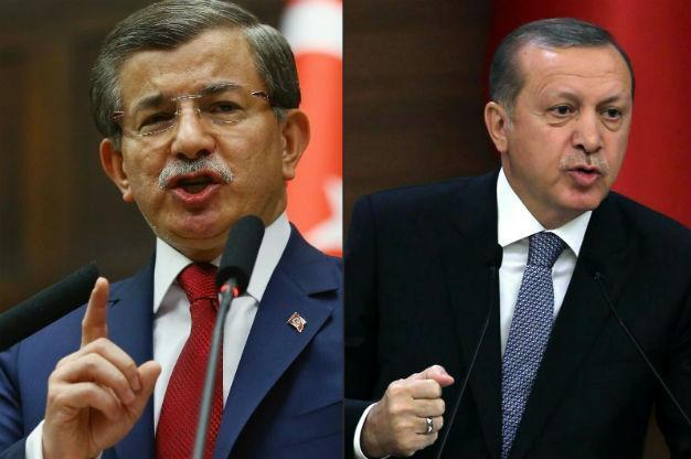 Довутоглу напада Ердоган, че отдалечава Турция от ЕС