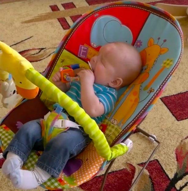 бебе, Александър