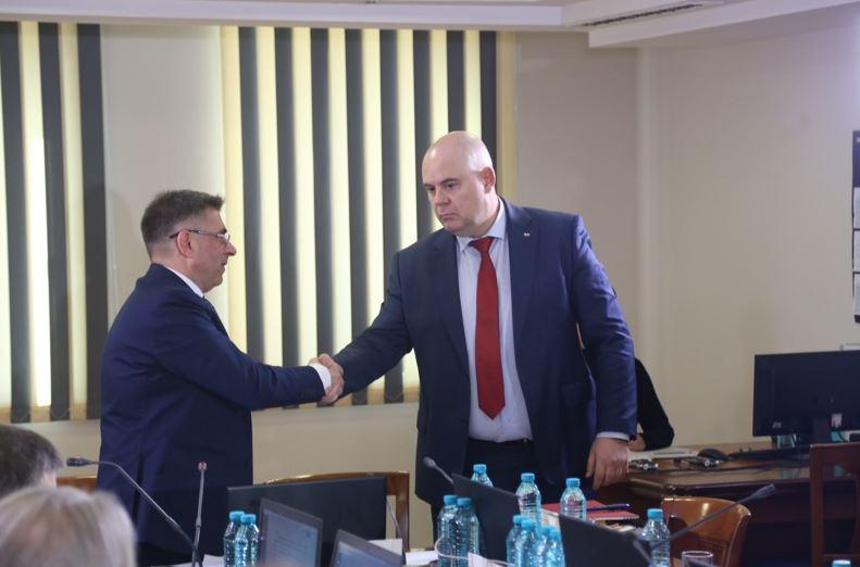 Гешев, Кирилов