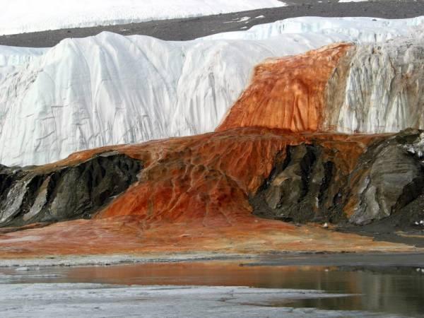 Кървавите водопади, Антарктика