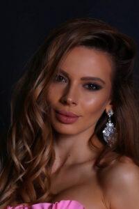Лора Асенова