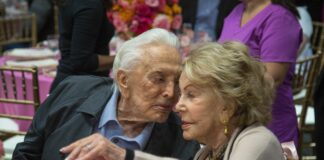 Кърк Дъглас и съпругата му