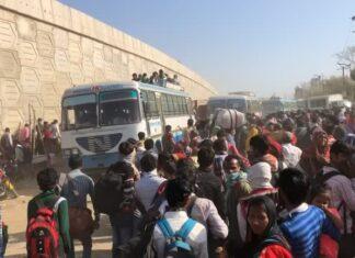 Индия, мигранти, работници, автобус, тълпа, коронавирус