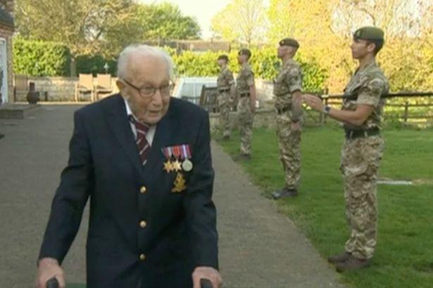 Том Мур, капитан, Великобритания