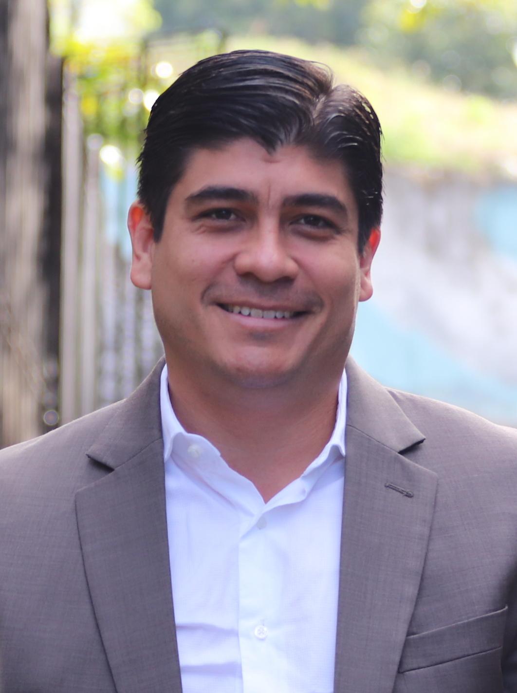 Карлос Алварадо