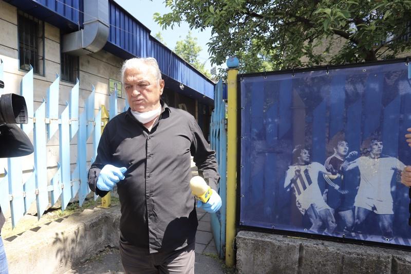 Сашо Диков, акции, Левски, Бойко Борисов, Васил Божков