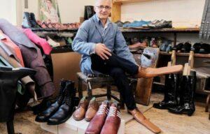 големи обувки