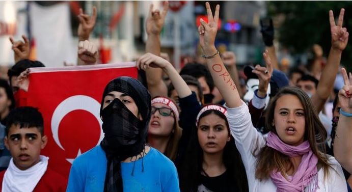 турски младежи, Ердоган