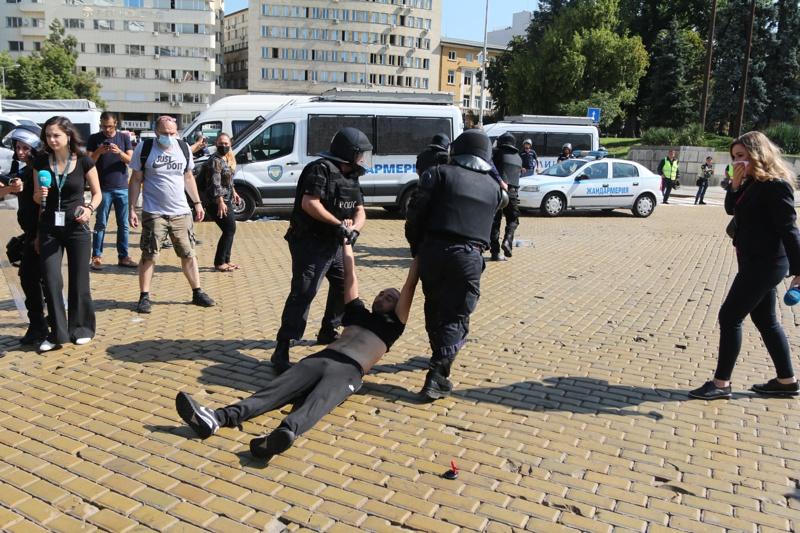арест протест