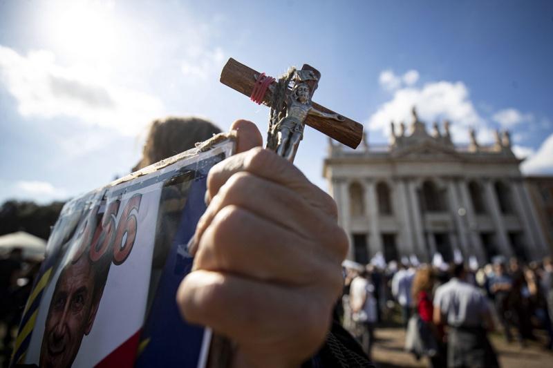 протест в Рим